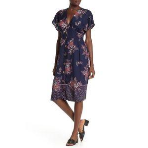 Angie v-neck empire waist floral dress size S